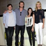 Sam Claflin Chris Hemsworth, Kristen Stewart, Charlize Theron