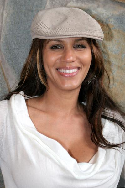 Nicole Ari