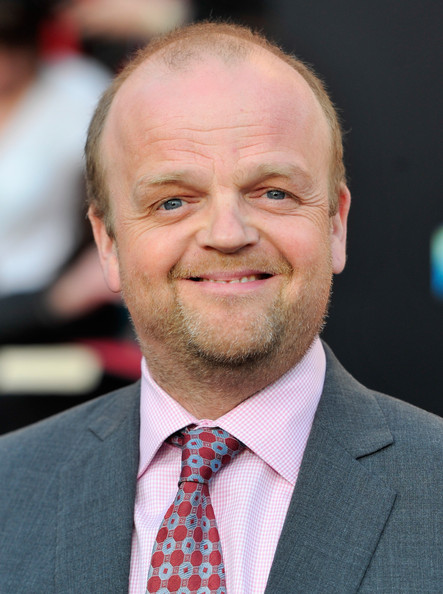 The hunger games premiere toby jones 2 for Zola motel zola predosa