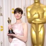 Oscars 2013 - Anne Hathaway 2