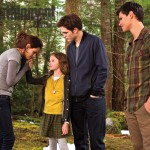 twilight-breaking-dawn-part-2-bella-edward-renesmee-image
