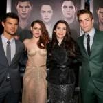 TTSBDP2 Premiere - Taylor Lautner, Kristen Stewart, Stephanie Meyer, Robert Pattinson 2a
