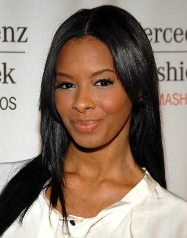 Vanessa Simmons cast in Dominga Martin's My First Loves