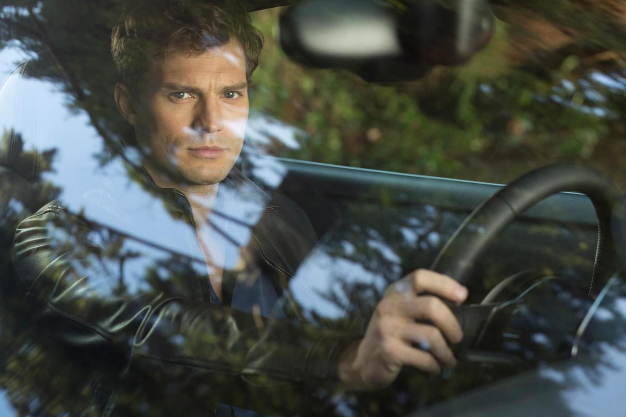 First pic at jamie dornan as christian grey in 39 fifty for Fifth shade of grey
