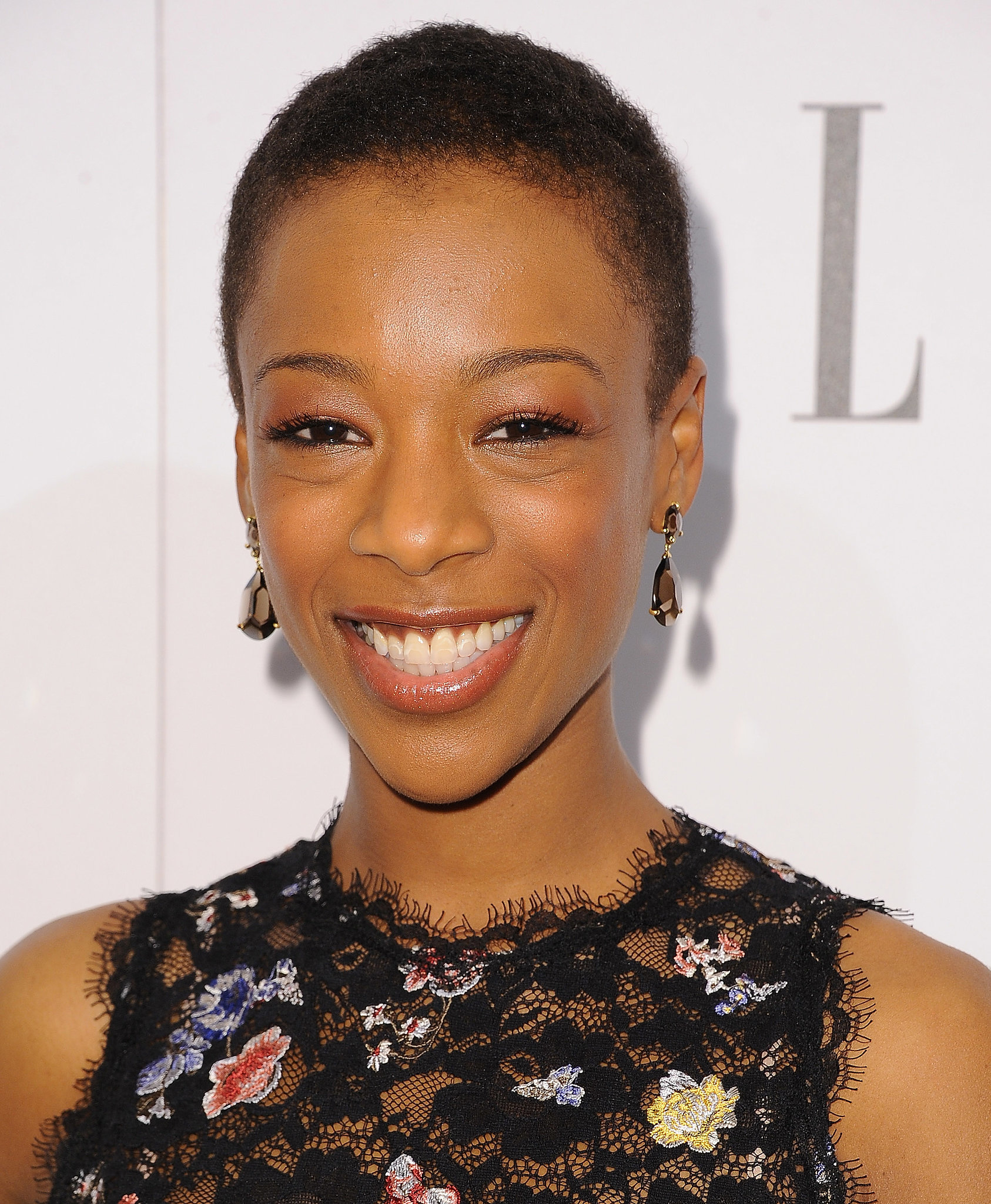 The 30-year old daughter of father Dennis W. Wiley and mother Christine Wiley , 161 cm tall Samira Wiley in 2017 photo