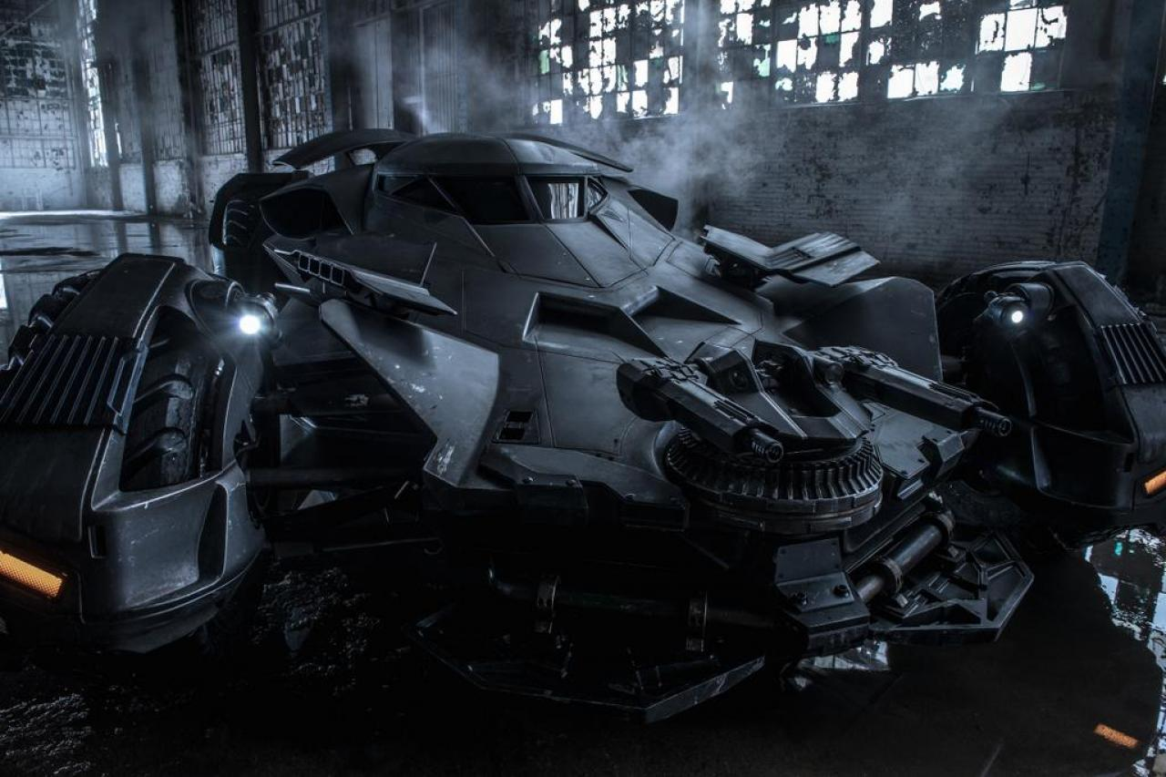 New Pic Of The Batmobile In Zack Snyder's 'Batman v ...