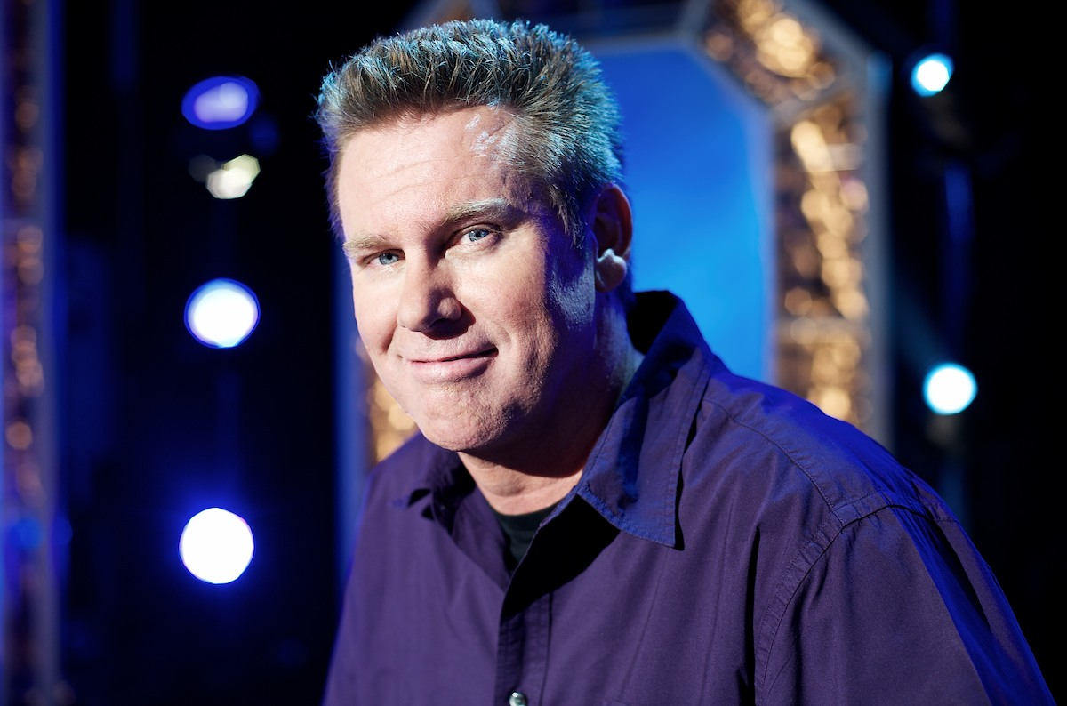 The 59-year old son of father (?) and mother(?), 188 cm tall Brian Regan in 2017 photo