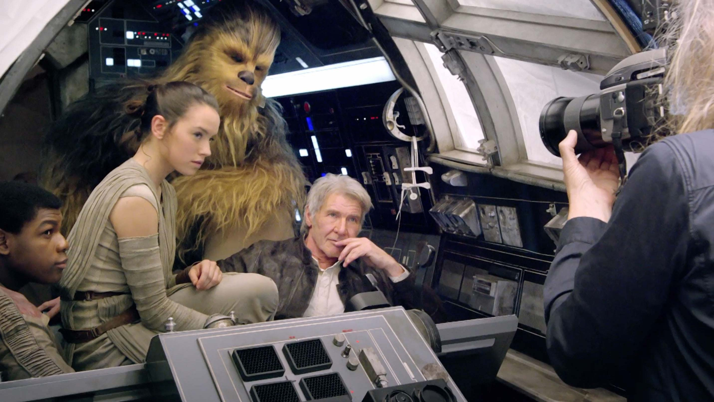 Star-Wars-The-Force-Awakens-Vanity-Fair-John-Boyega-Daisy-Ridley-Harrison-Ford.jpg