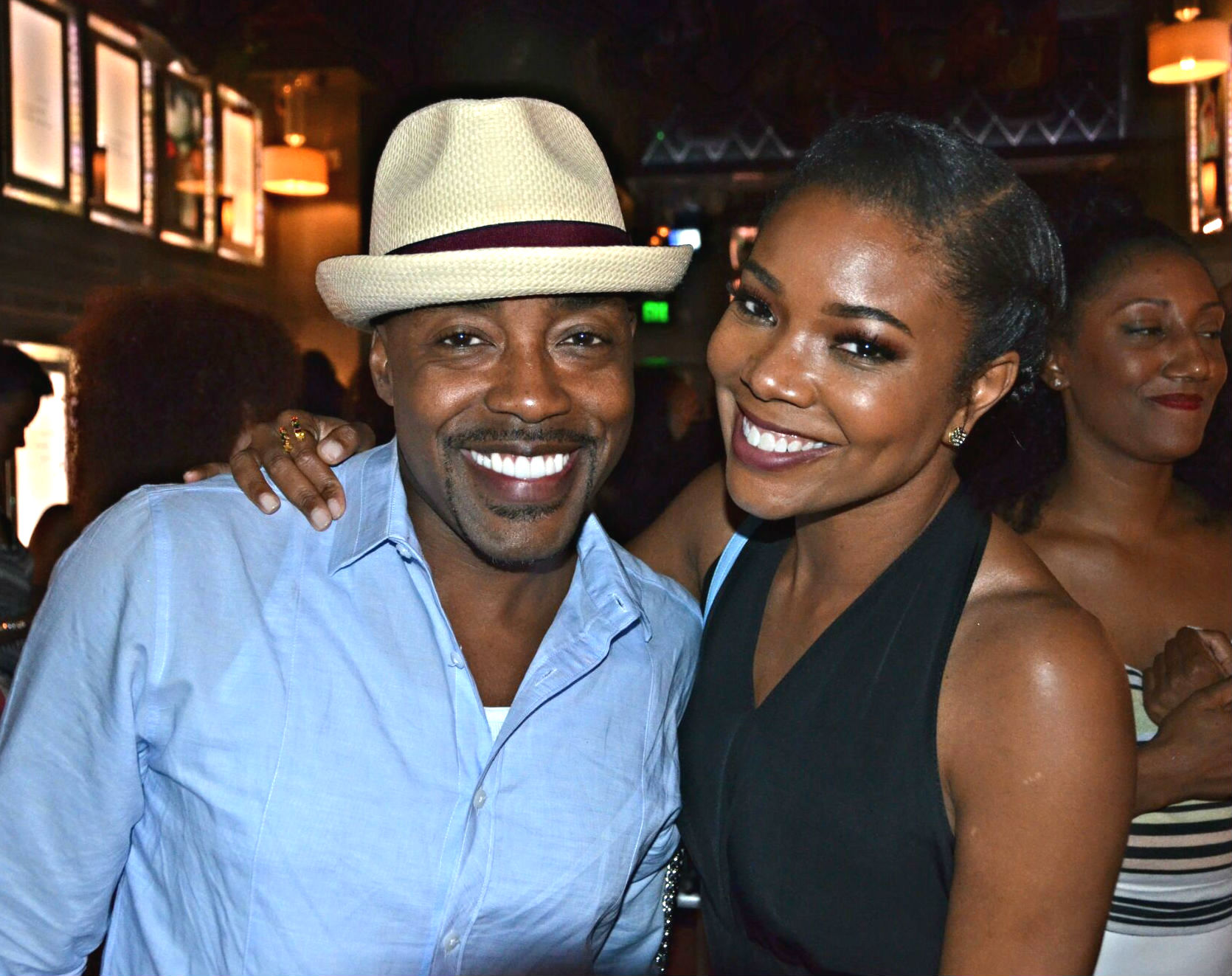 trailer to will packers breaking in starring gabrielle union - Almost Christmas Trailer