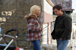 Manchester By The Sea 3 - Casey Affleck and Michelle Williams