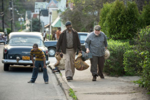 fences-denzel-washington-and-stephen-mckinley-henderson