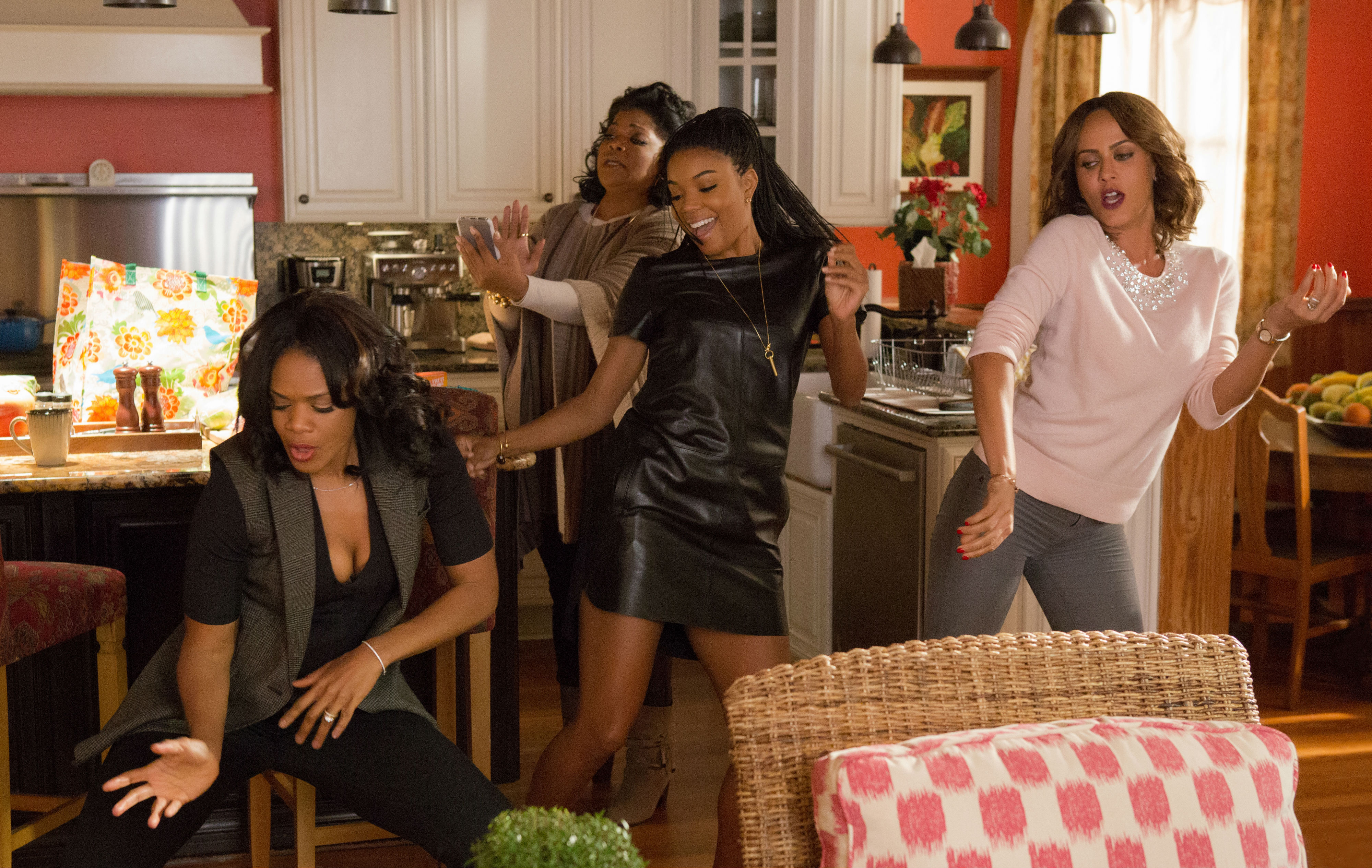 almost-christmas-kimberly-elise-monique-gabrielle-union-and-nicole ...