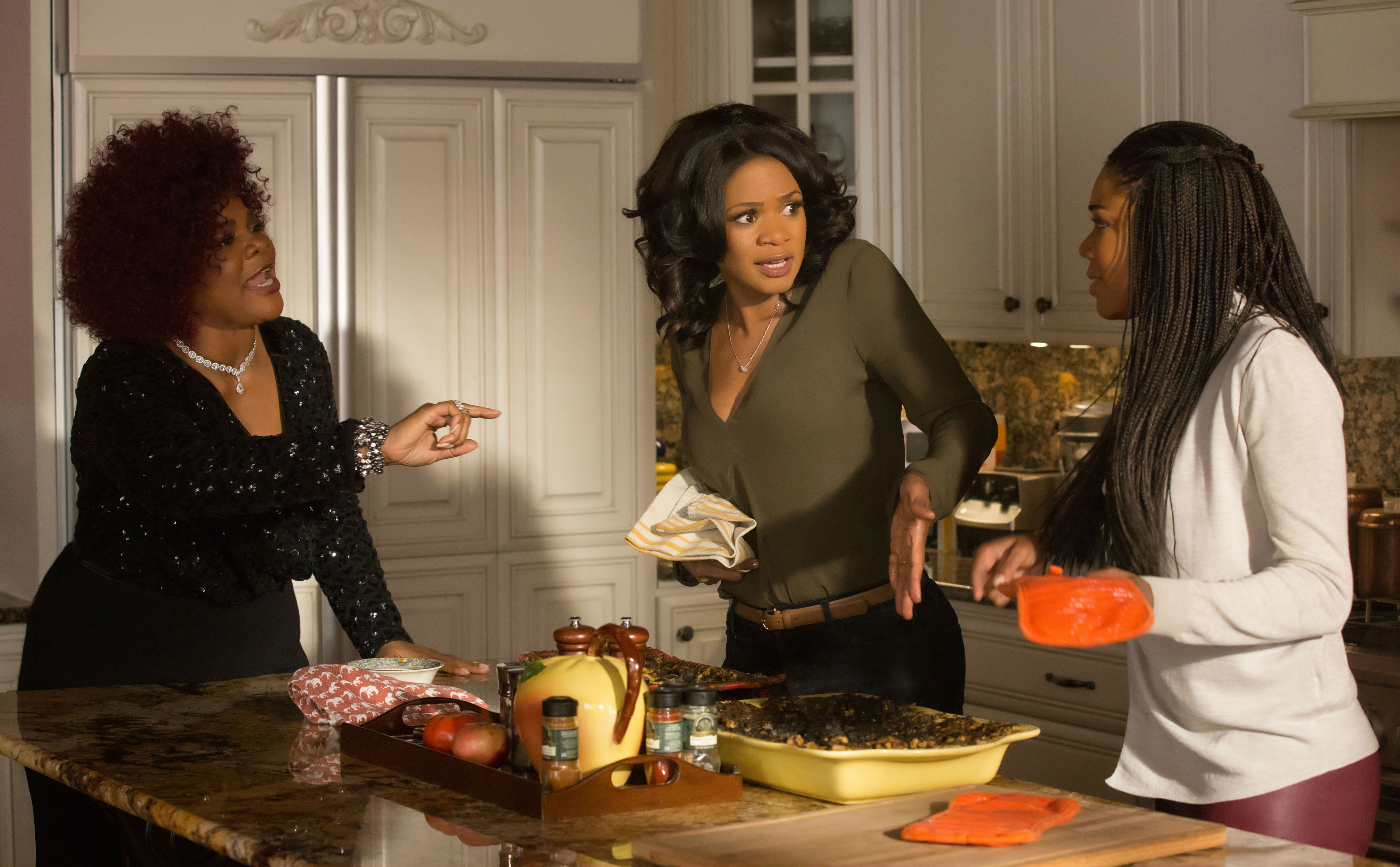 almost-christmas-monique-kimberly-elise-and-gabrielle-union ...
