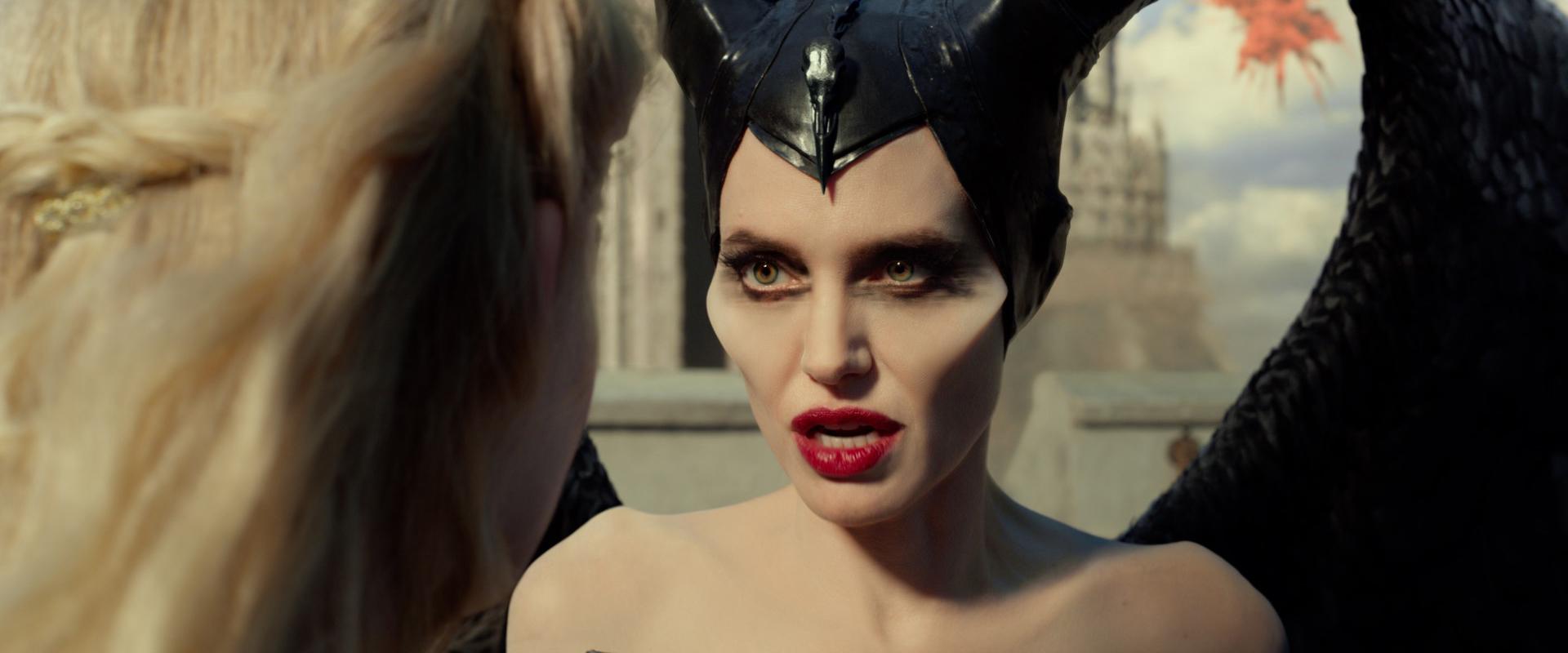 New Trailer For Maleficent Mistress Of Evil Starring